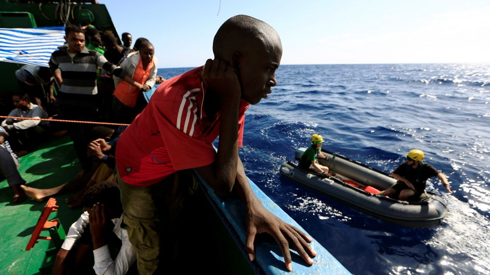 43 die as refugee boat capsizes off Egypt