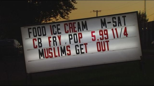 "Minnesota restaurant in US posts ""Muslims get out"" sign"