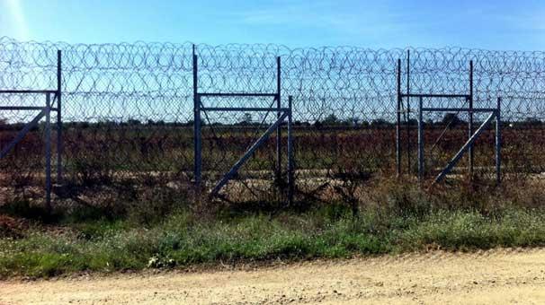 اليونان وبلغاريا تزيدان من الإجراءات الأمنيّة على حدودهما في مواجهة اللاجئين. التاريخ: تشرين الثاني 2016 – الدولة: بلغاريا/اليونان
