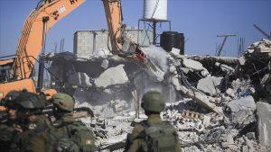 İsrail askerleri Filistin