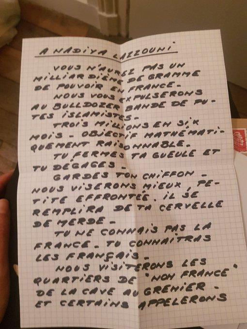 Fransa'da başörtülü gazeteci